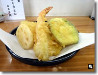 津田町羽立うどんの天ぷらの写真