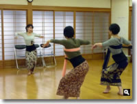 バリ舞踊教室見学の写真