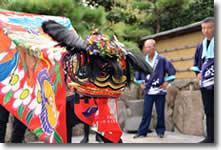 2013年さぬき市津田町mitzの実家に来てくれた獅子舞の写真