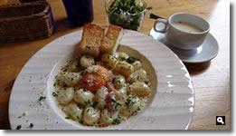 2017年5月8日 「Cafe ゆるりと。」の「カルボナーラソースのクリームニョッキ」の写真