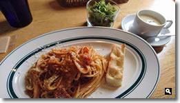 2017年8月9日 Cafe ゆるりと。「豚バラ肉の煮込みソースのパスタ」の写真