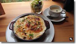 2021年4月06日 cafe ゆるりと。スパイスチキンカリーのリゾグラタンの写真